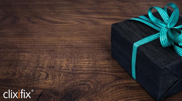 gift box logo.jpg